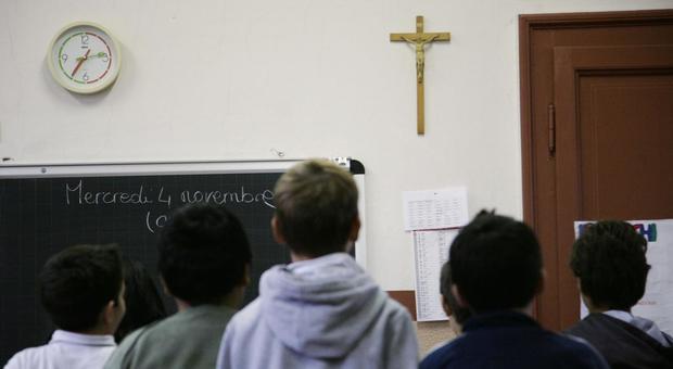 4769925_1822_crocifisso_scuola